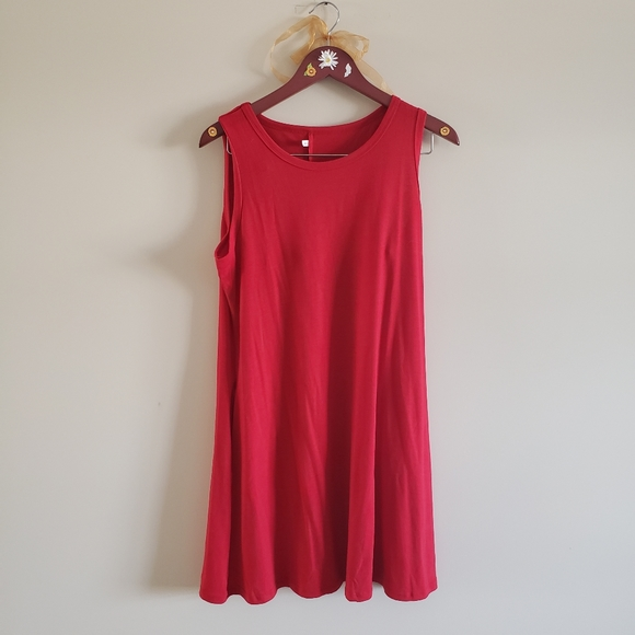Dresses & Skirts - Casual red dress